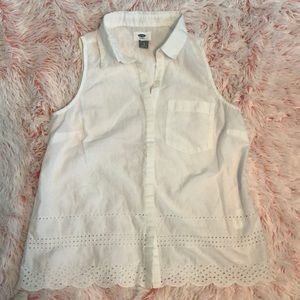 White eyelet button up top small